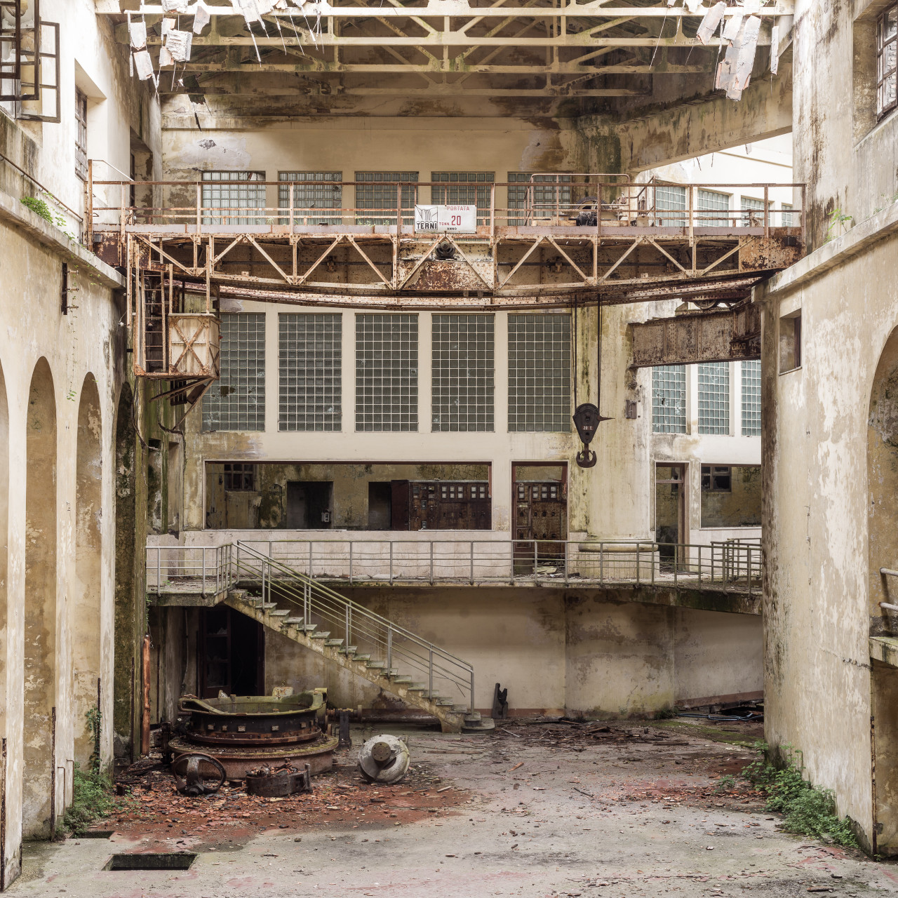 dereliction-22